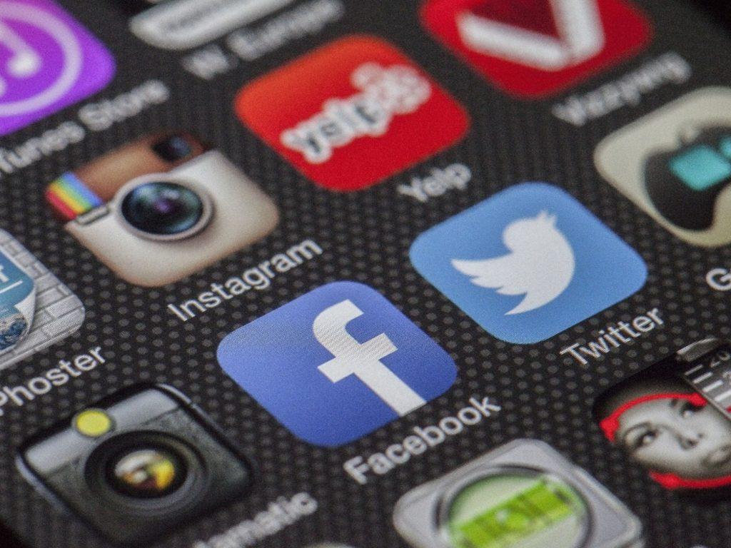 Vantagens de usar redes sociais nos dias actuais